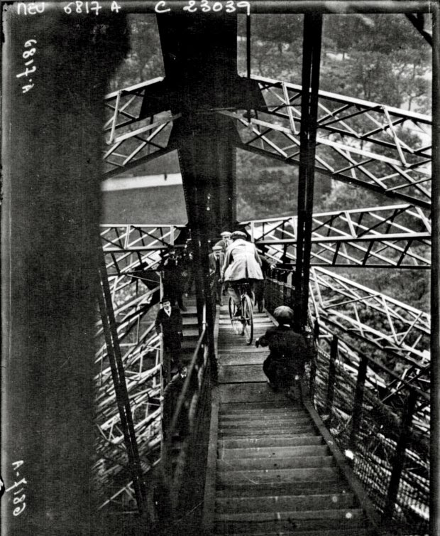 Cycling down the Eiffel Tower (2)