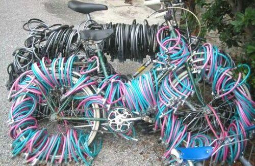 Extremely locked bike, Photo: neatorama.com