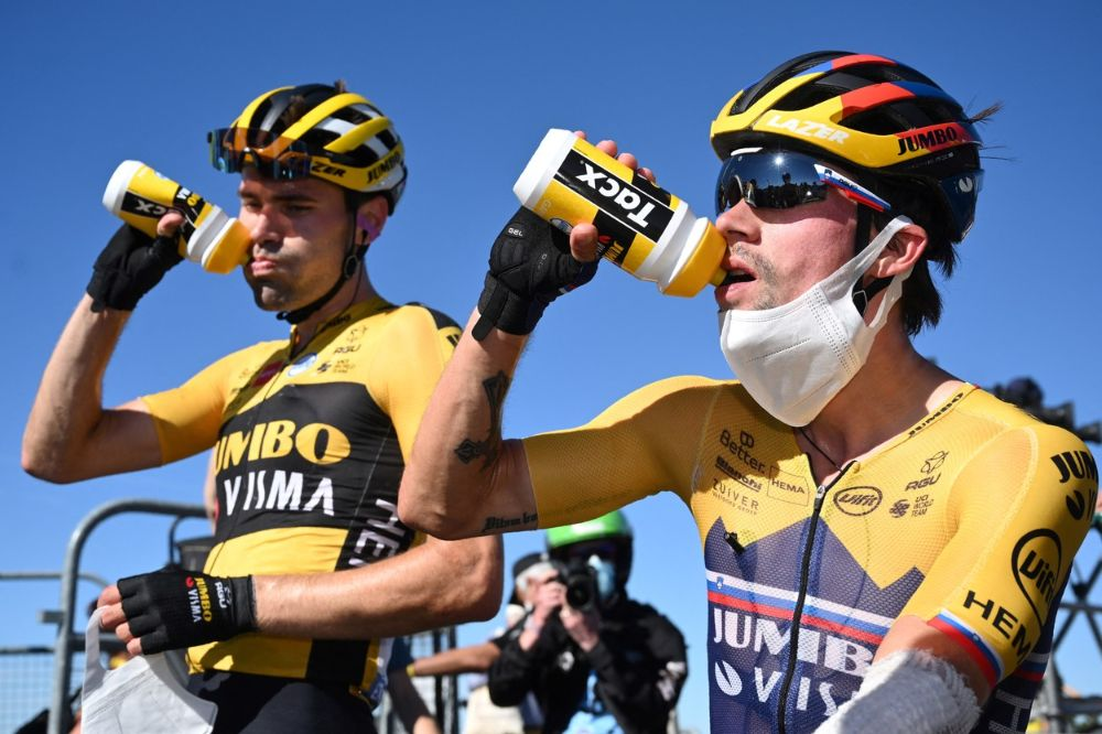 Primož and Domoulin drinking at the Tour