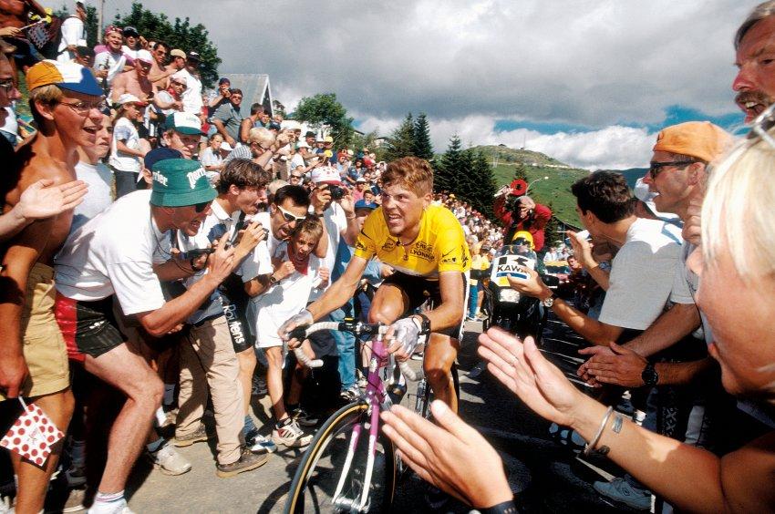 1997: První německý vítěz Tour Jan Ullrich, který je více známý kvůli jeho přiznání k používání nedovolených prostředků, které učinil o deset let později.