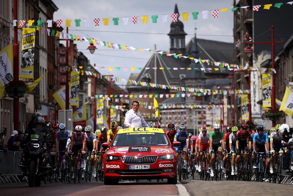 Christian Prudhomme, ředitel Tour de France, před startem jedné z etap loňského ročníku. Foto: www.letour.fr / © Getty Images/Chris Graythen.