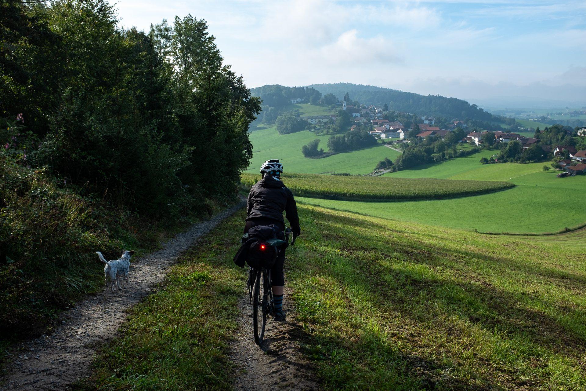 Kvalitní osvětlení je důležitou součástí každého bikepackera. Foto: Pavel Šťastný