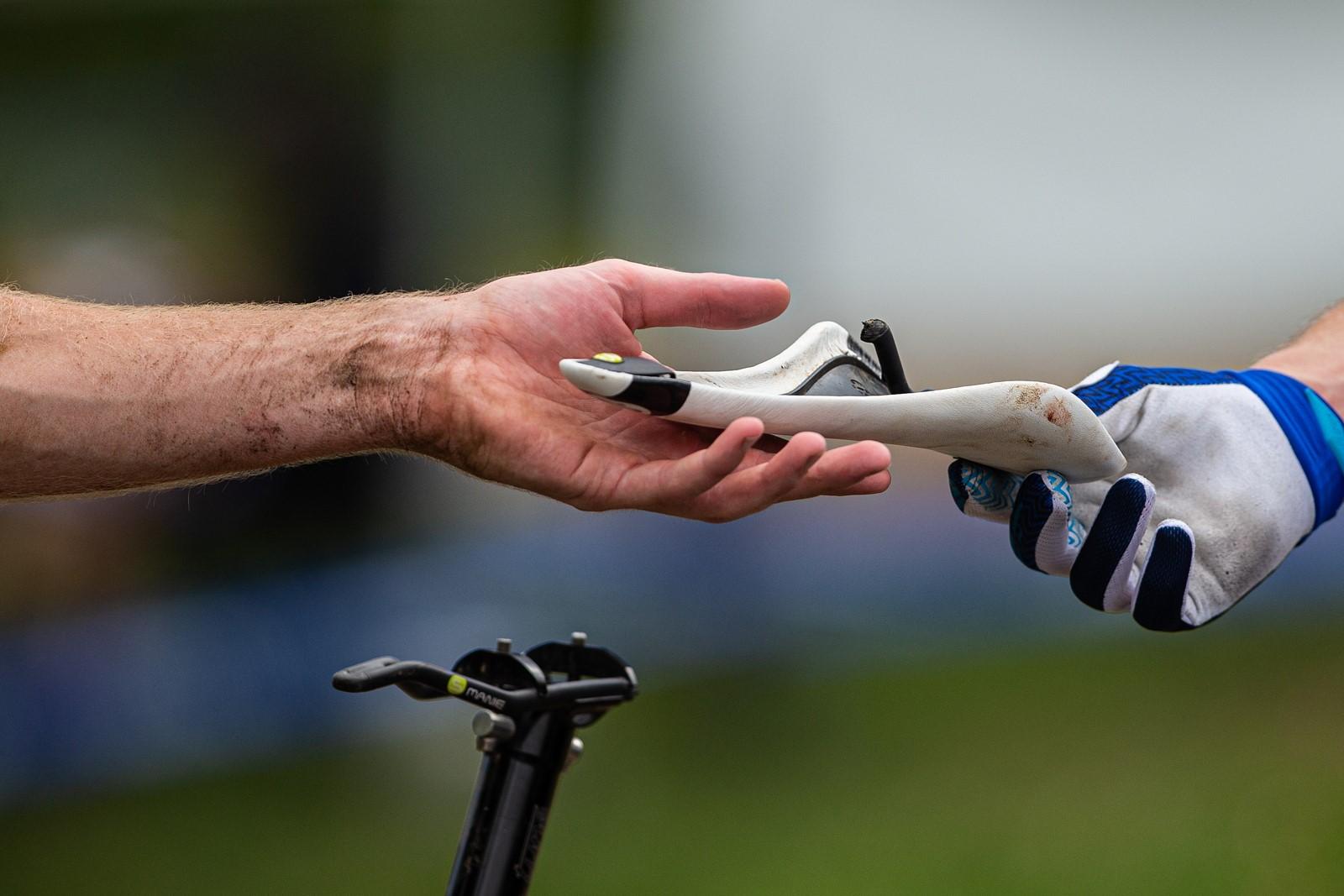Utržené sedlo na kole může být poukázkou na mimořádně nepříjemné zranění. Foto: Michal Červený