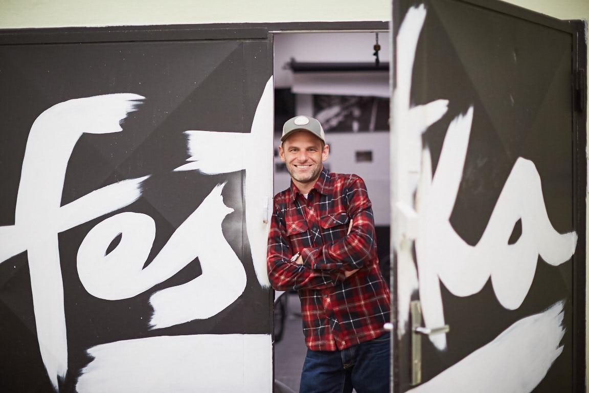 Michael Moureček, šéf firmy Festka. Netají, že