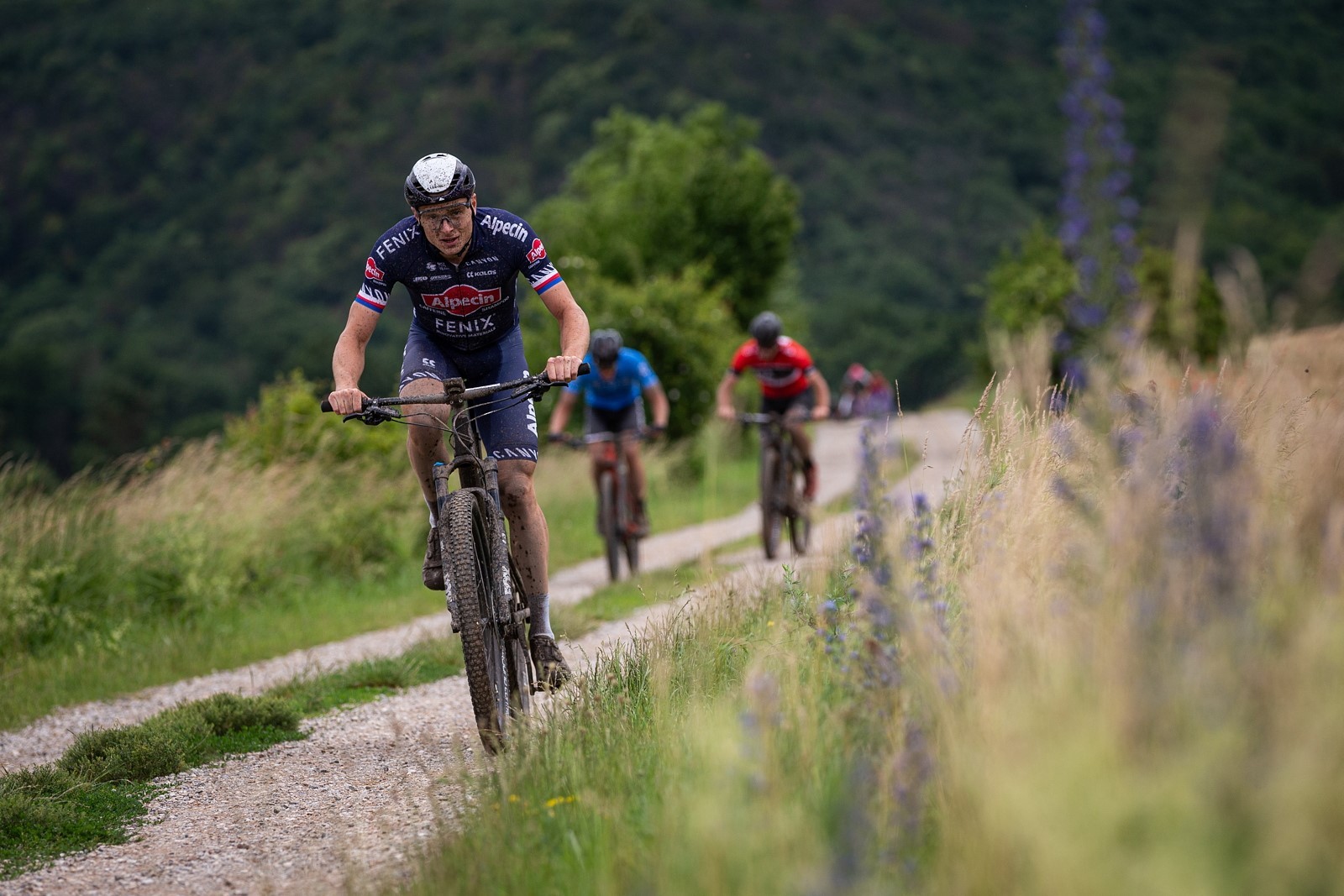 Petr Vakoč, jehož pracovní náplní je silniční cyklistika, byl speciálním hostem finále výzvy Třináct kopců. Foto: Michal Červený