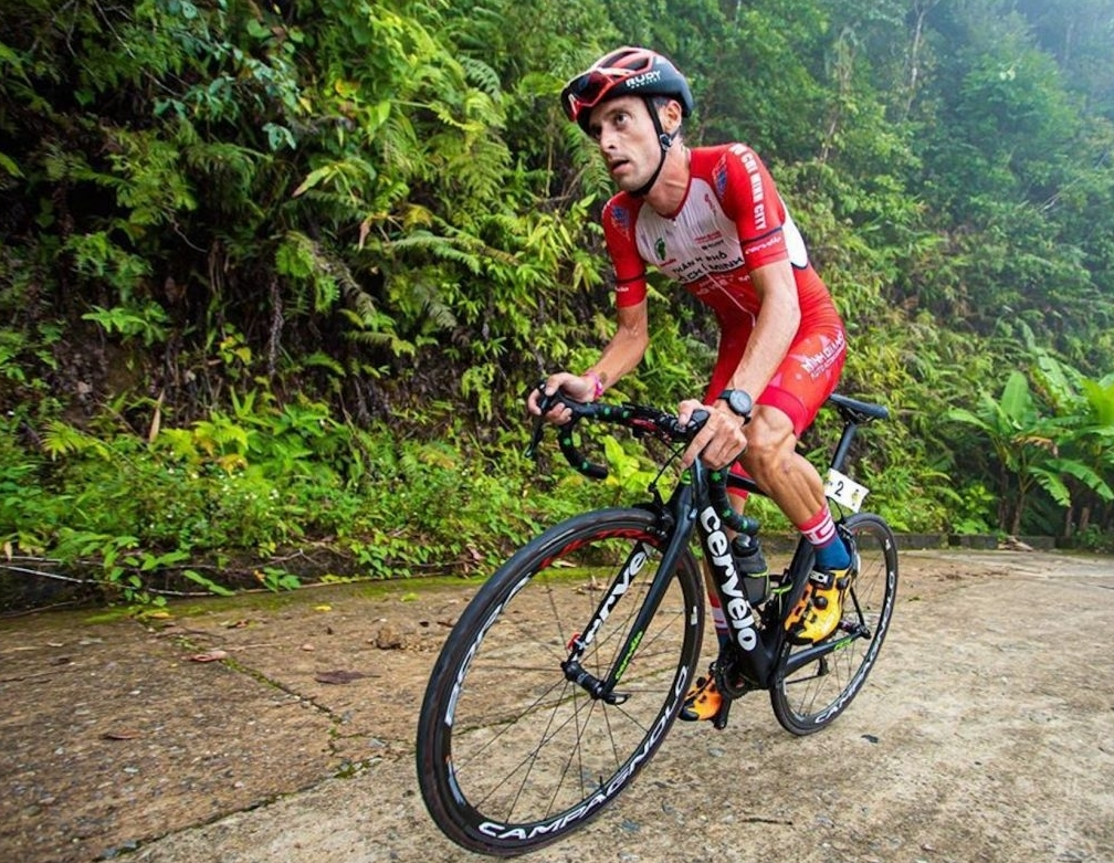Španělský cyklista Javier Sardá Pérez ve službách vietnamského týmu. Foto: facebook Javiera Péreze