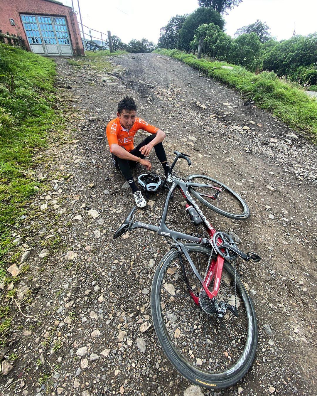 Egan Bernal tvrdě dře v rodné Kolumbii. Dlouhé období bez závodů je pro obhájce triumfu z Tour . Foto: instagram