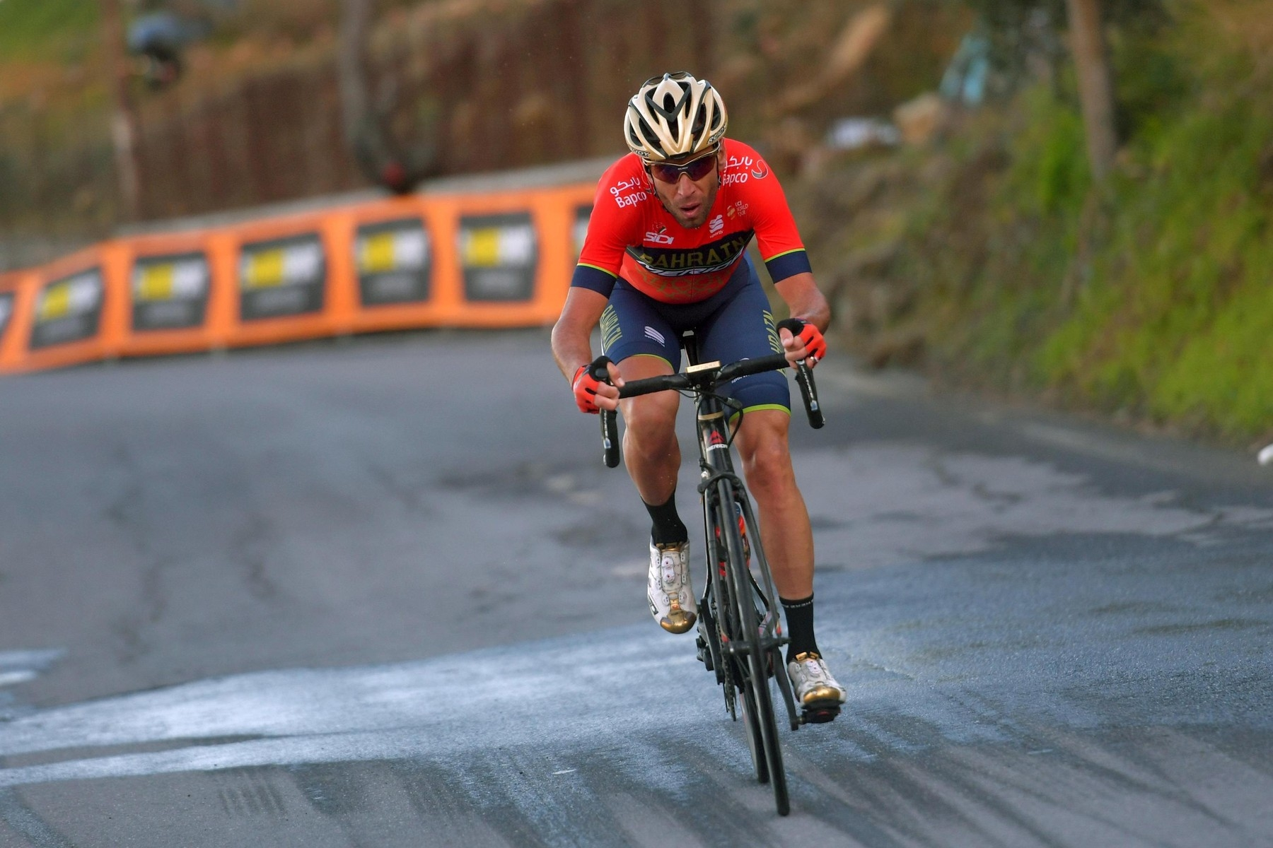 Vincenzo Nibali při stoupání na ikonický vrchol Poggio při vítězství v klasice Milán - San Remo 2018. Foto: profimedia