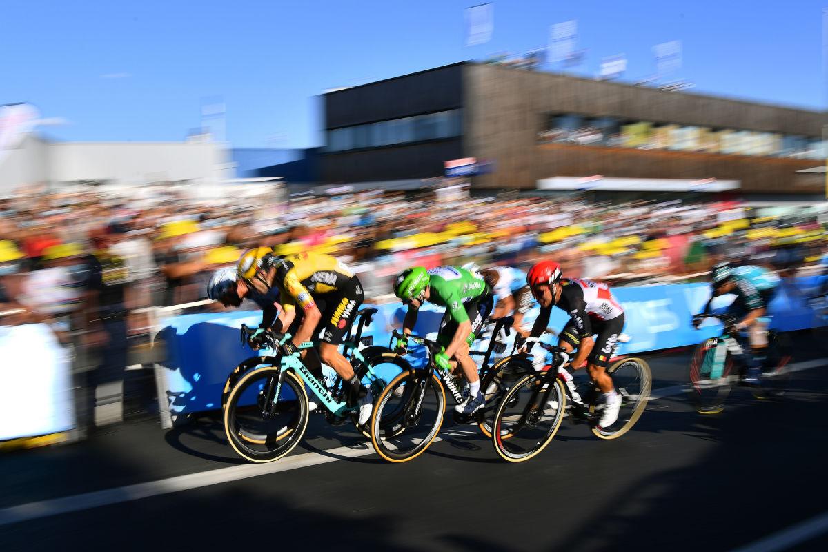 Na Tour de France si Sagan nepřipsal jedinou vítěznou etapu. A ze zeleného trikotu jej vysvlékl Sam Bennett. Foto: Tim de Waele/Getty Images/Deceuninck Quick Step