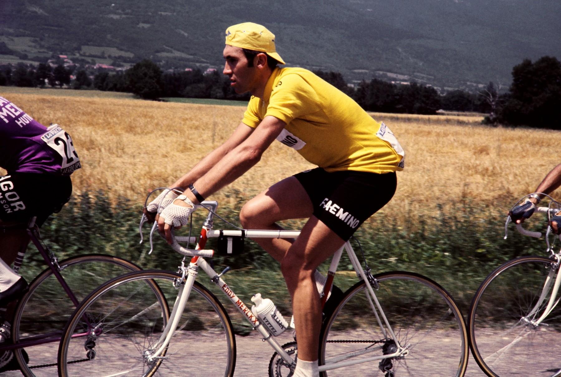Eddy Merckx ve žlutém trikotu lídra nejslavnějšího cyklistického závodu Tour de France 1970 Foto: profimedia