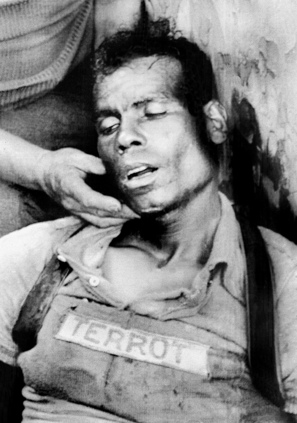 Vyčerpaný Zaaf během etapy Tour de France v ročníku 1950 vyrazil opačným směrem, nakonec omdlel a do cíle nedojel. Foto: profimedia