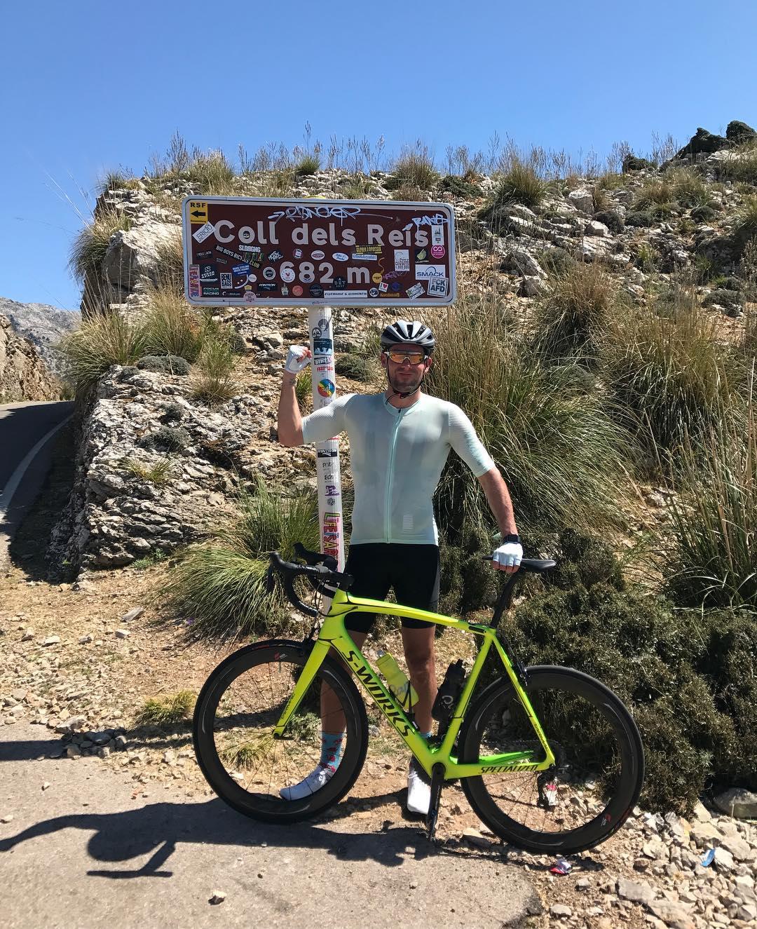 Ben Foster, fotbalový brankář, při cyklistickém tréninkovém kempu na Mallorce. Foto: instagram Bena Fostera