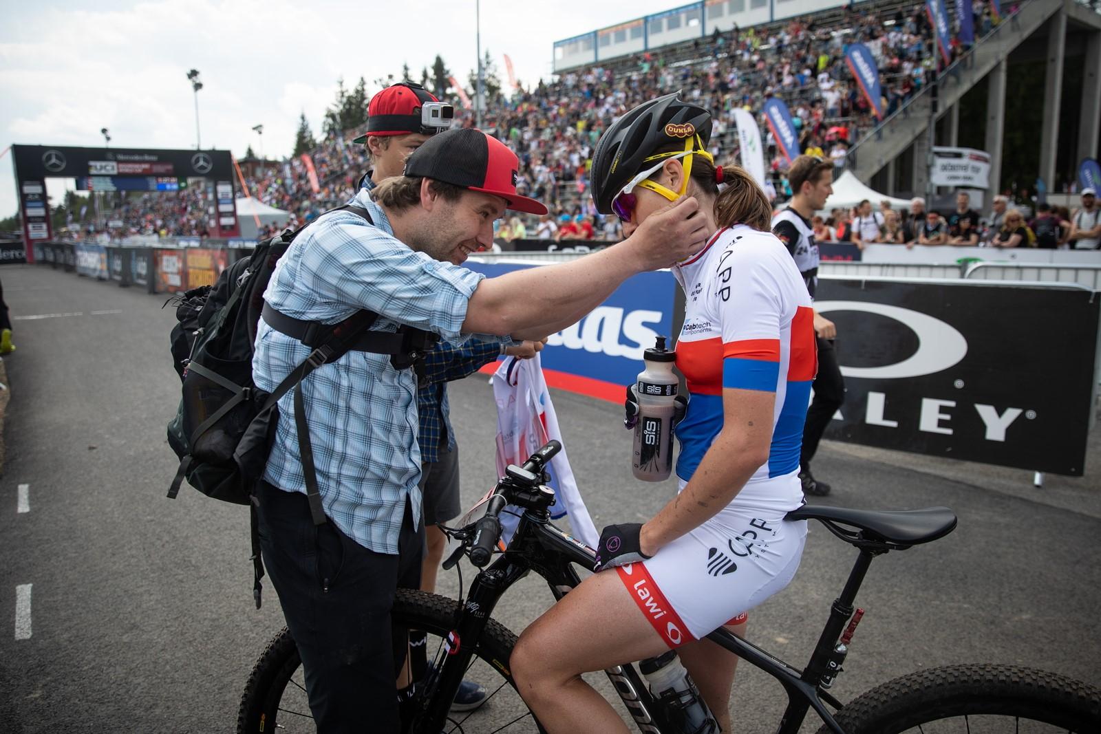 Jitka Čábelická s manželem Pavlem po závodě v Novém Městě na Moravě. Foto: Michal Červený