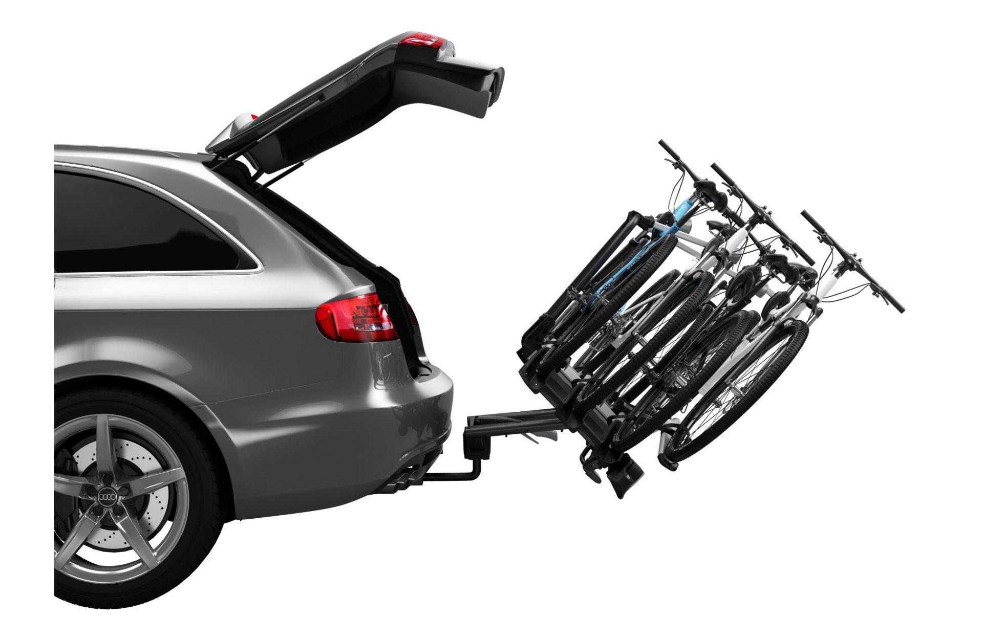 Nosič jízdního kola na tažné zařízení. Možnost sklopení představuje dnes běžný standard.