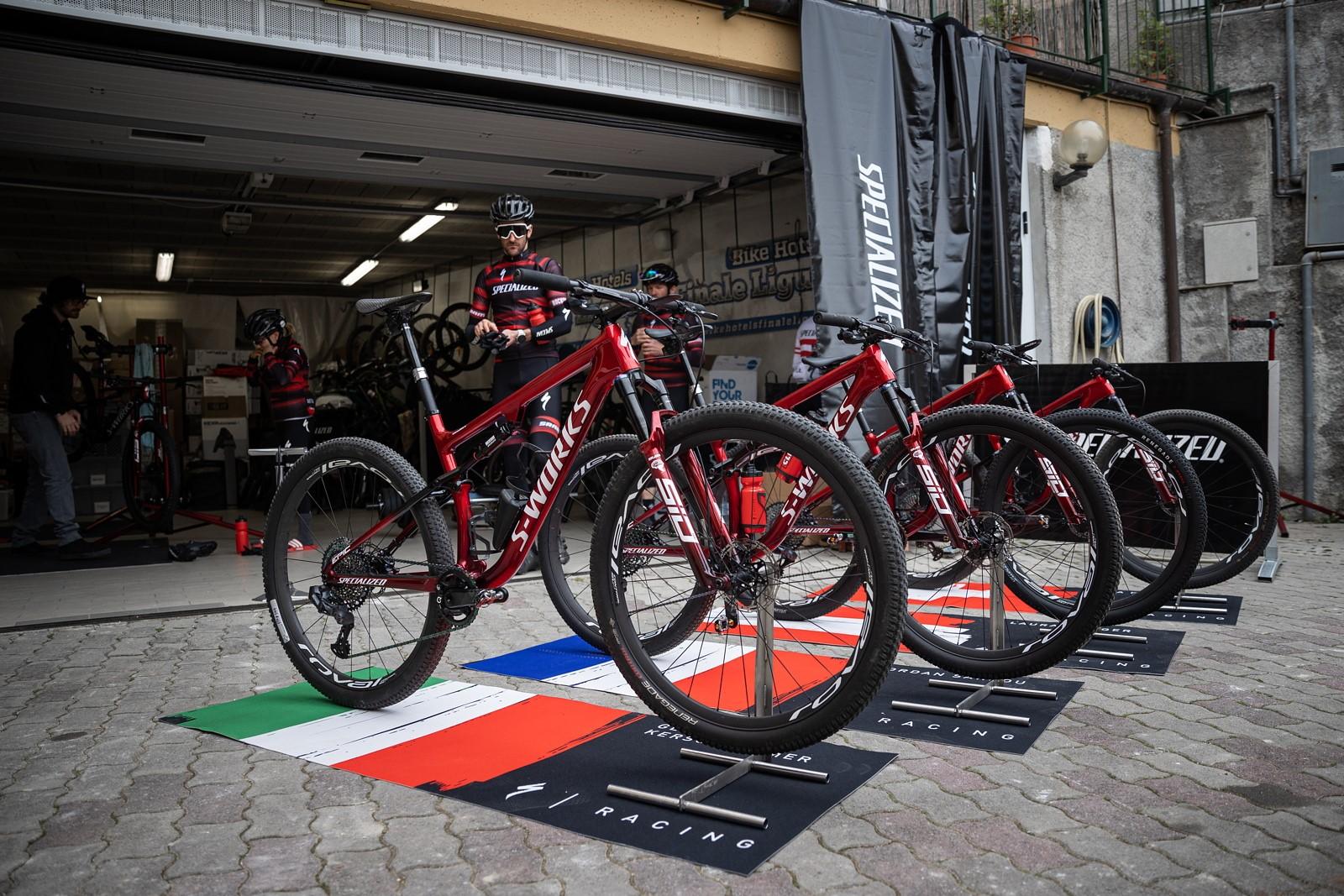 Tovární tým Specialized na soustředění před sezonou v Itálii. Foto: Michal Červený