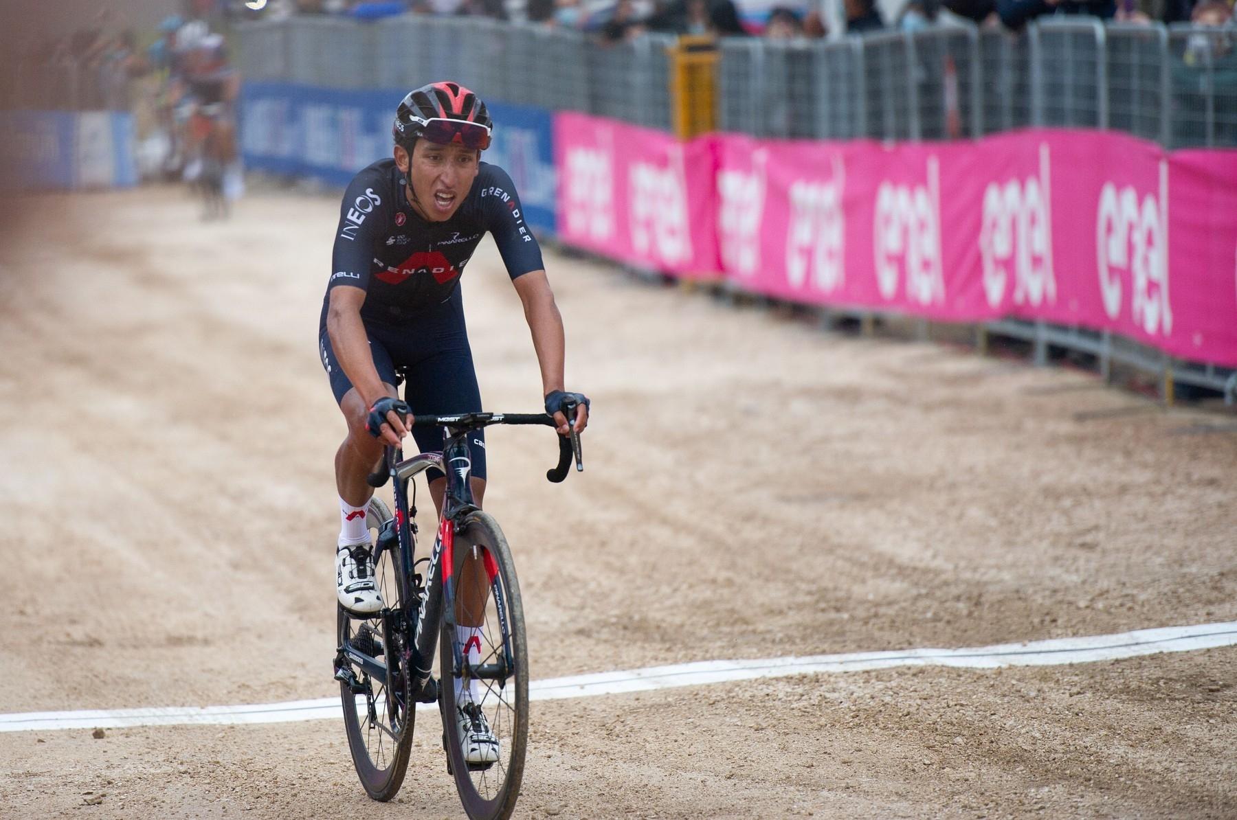 Egan Bernal se na Giro di Italia 2021 právě probojoval do čela průběžné klasifikace. Foto: profimedia