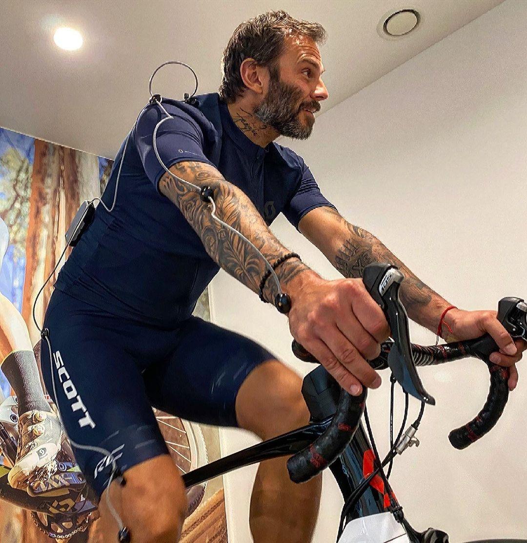 Patrik Berger absolvoval kvůli charitativní akci i bikefiting. Foto: instagram Patrik Berger