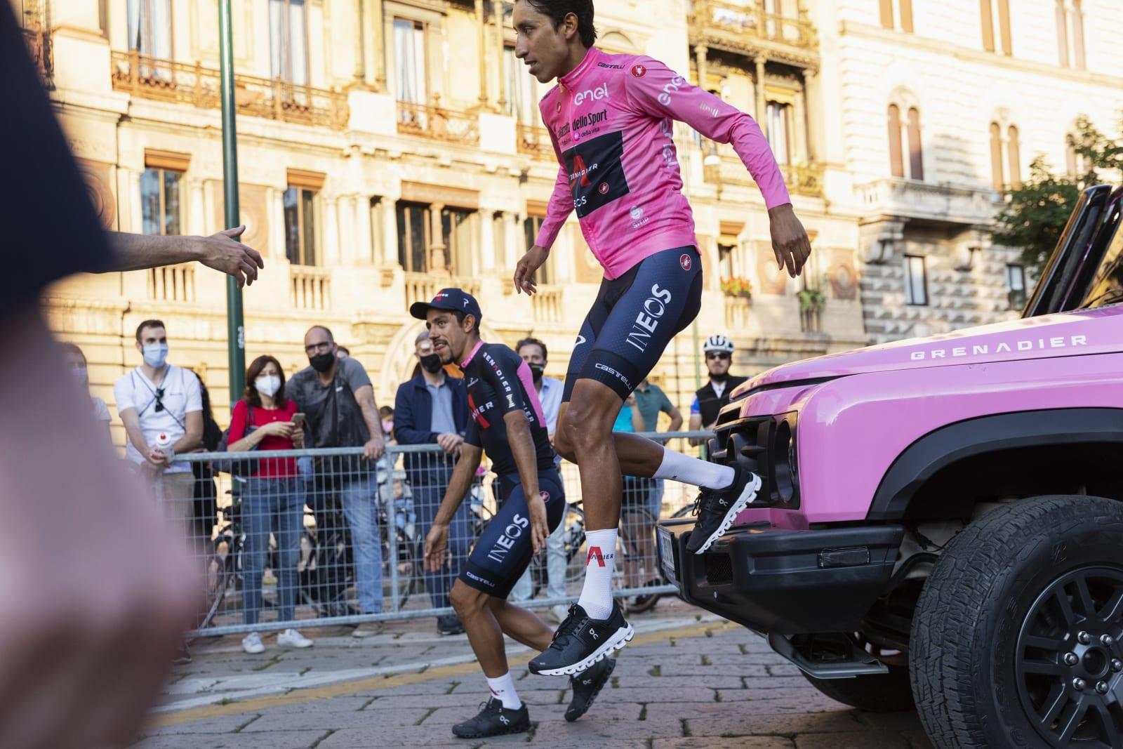 Egan Bernal se více než rok trápil s bolestmi zad, ale teď už je mu zase do skoku... Foto: ineosgrenadiers.com
