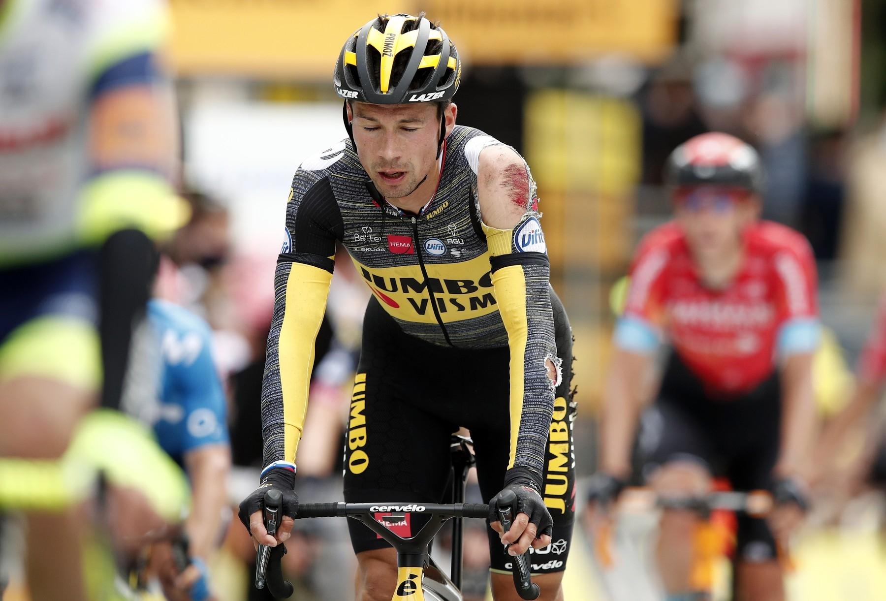 Primož Roglič se letos o drsnosti asfaltu ve Francii přesvědčil několikrát a z Tour de France 2021 odstoupil. Foto: profimedia (2x)