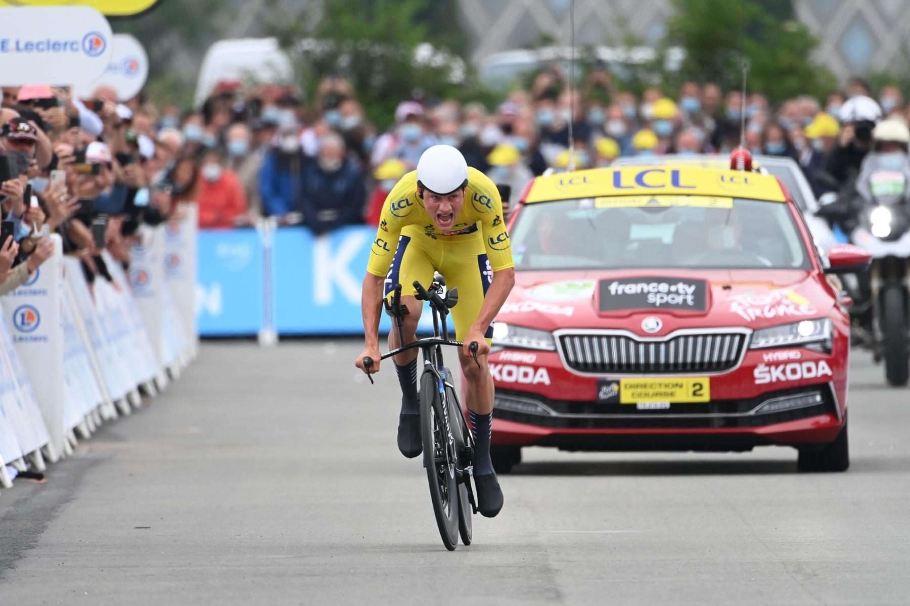 Mathieu van der Poel při časovce použil ráfky, které nesmí vozit. Ale hlavní sponzor při vidině žlutého trikotu vše přešel. Foto: profimedia