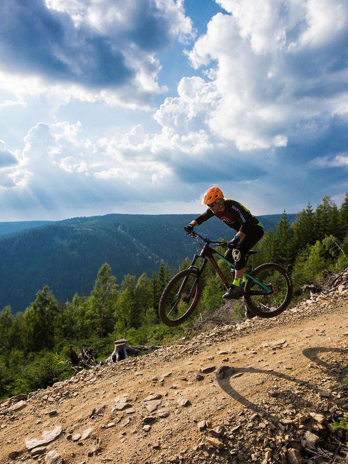 Trail park Klínovec nabízí parádní příležitosti k cyklistickým radovánkám. Foto: trailparkklinovec.cz
