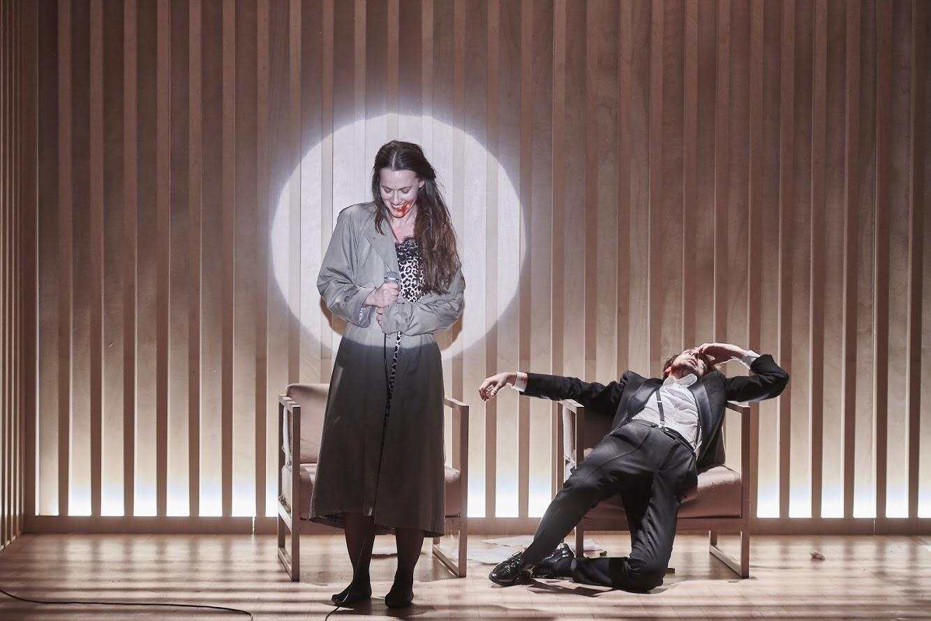 Petra Bučková v představení Persony v divadle Na Zábradlí. Foto:
