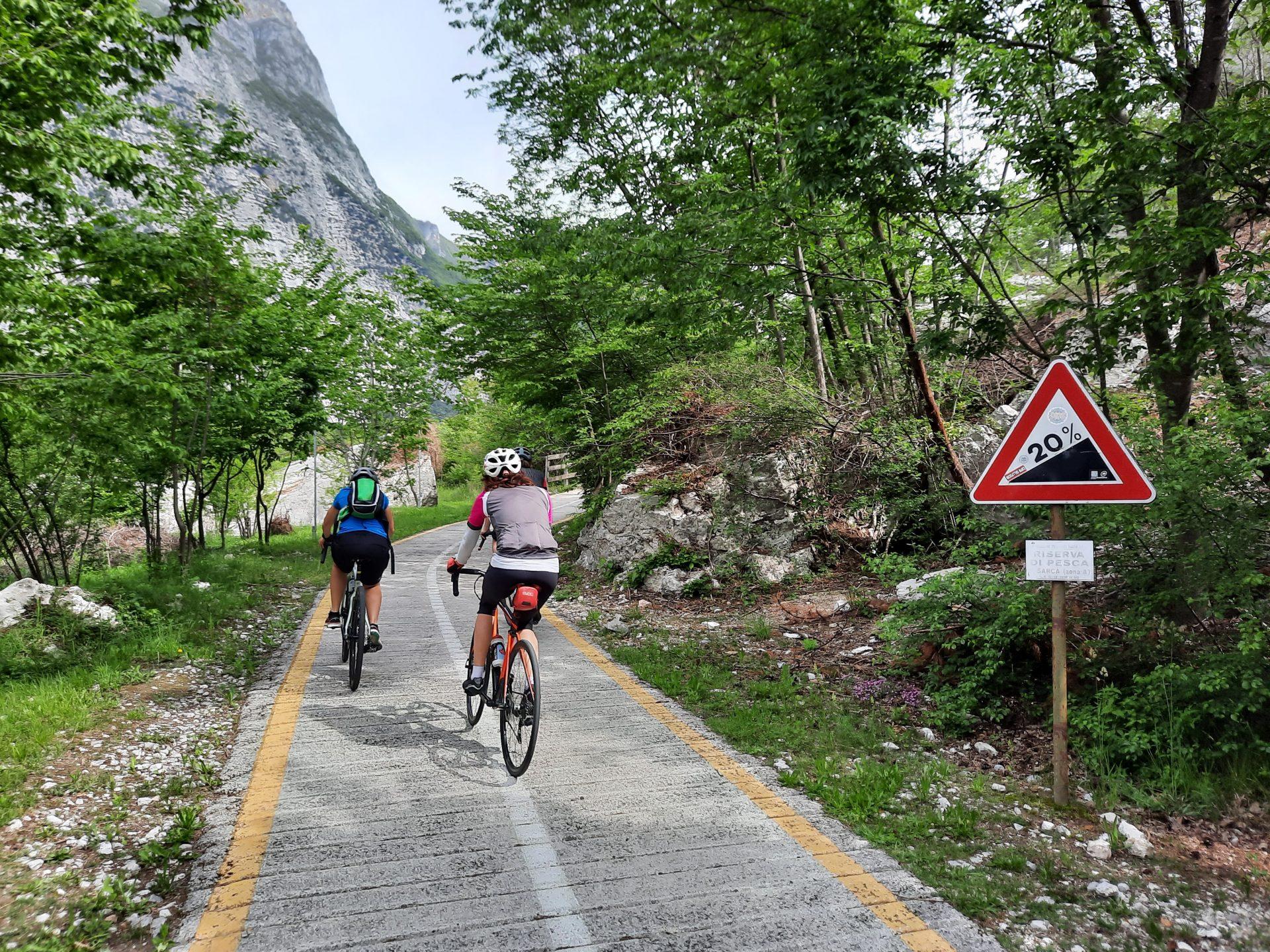 Na cyklostezkách u Lago di Garda si můžete dát pořádně do těla.