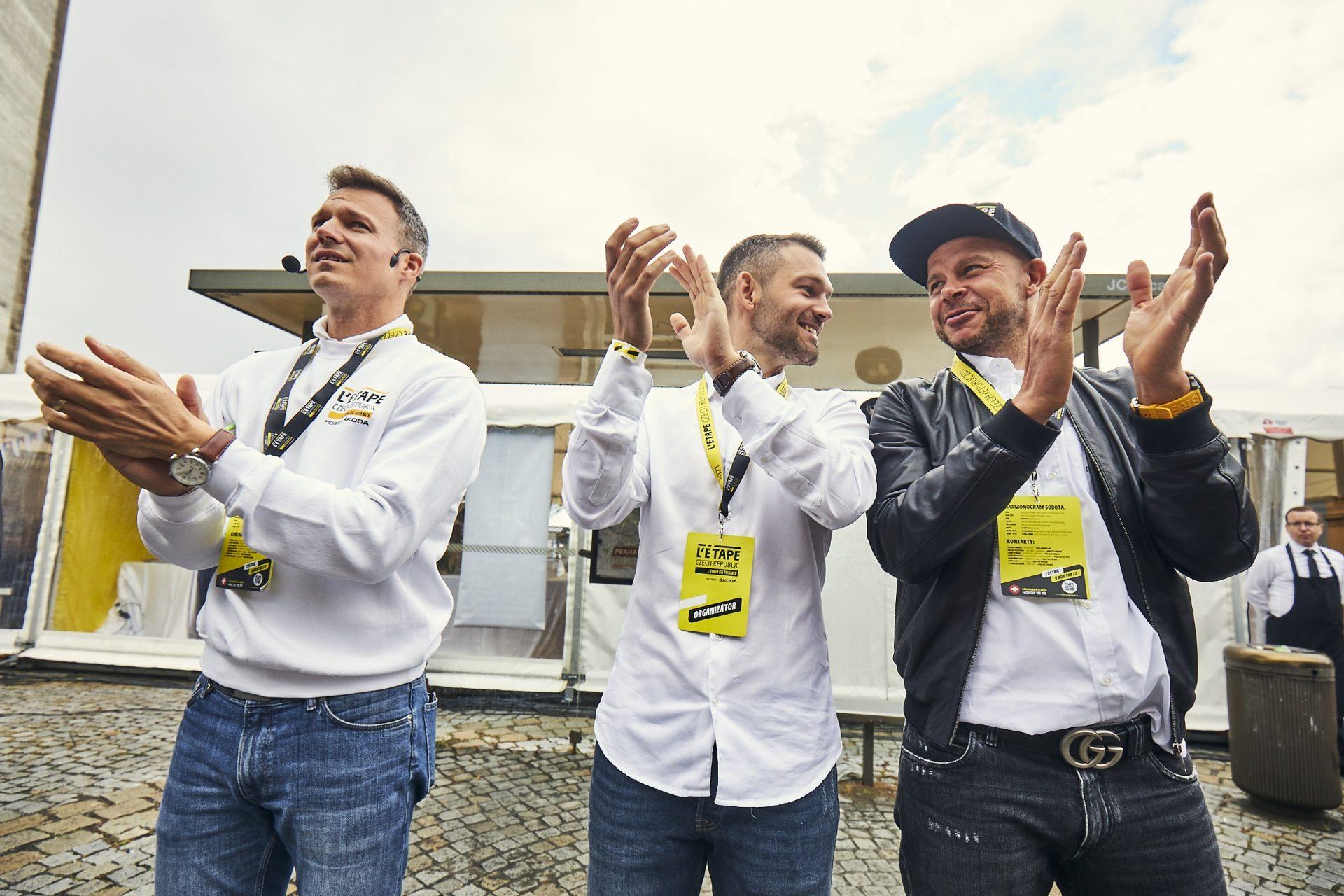 Přemek Novák, Tomáš Pravenec a David Trávníček (zleva). Tři muži stojící za L Etape v Česku.