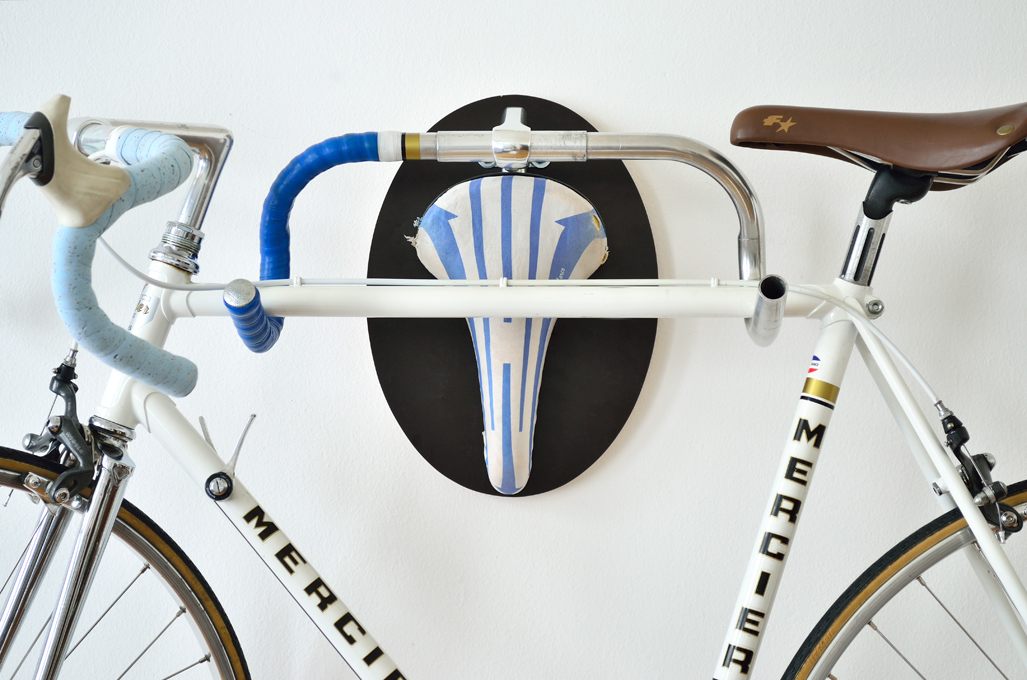 The cycling trophy hanger
