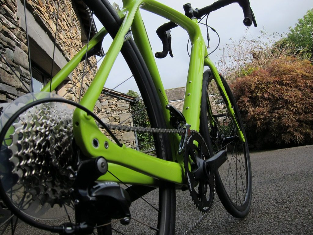 By removing the rim brake caliper you can easily design a frame and fork able to accommodate bigger tyres. The idea of bigger tyres will give you not only extra comfort on the rough and bumpy roads, but due to their design they also raise the grip on the ground.