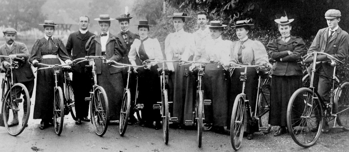 Victorian Women's Cyclewear: The Ingenious Fight Against Conventions - We Love Cycling magazine