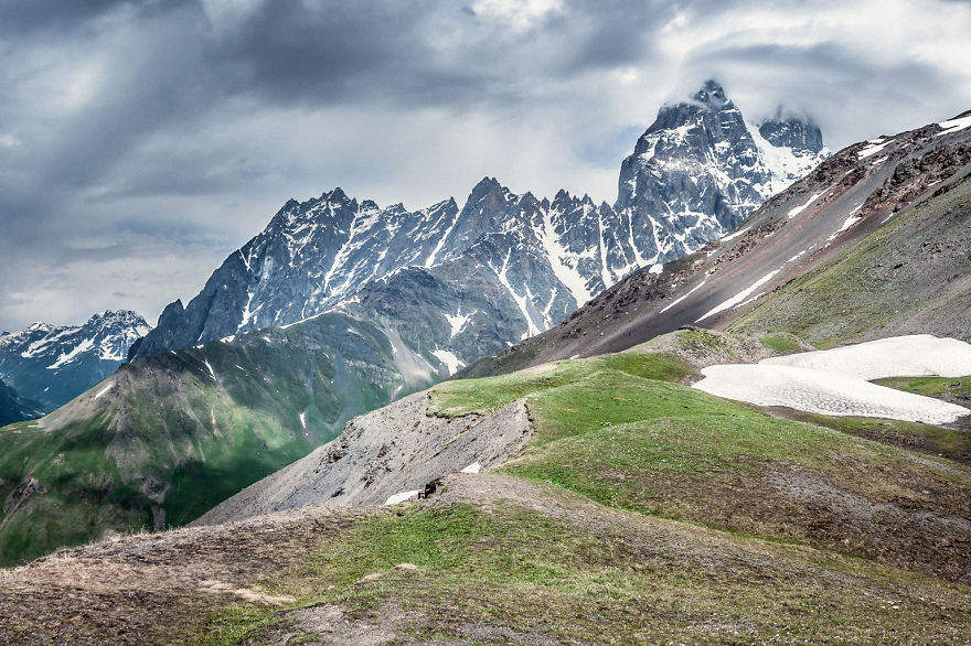 couple-sharing-stunning-photographs-from-their-mountain-bike-adventure-in-the-georgian-caucasus19__880
