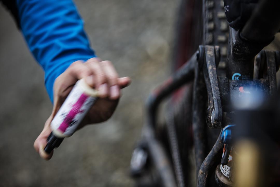 Lubing a bike chain