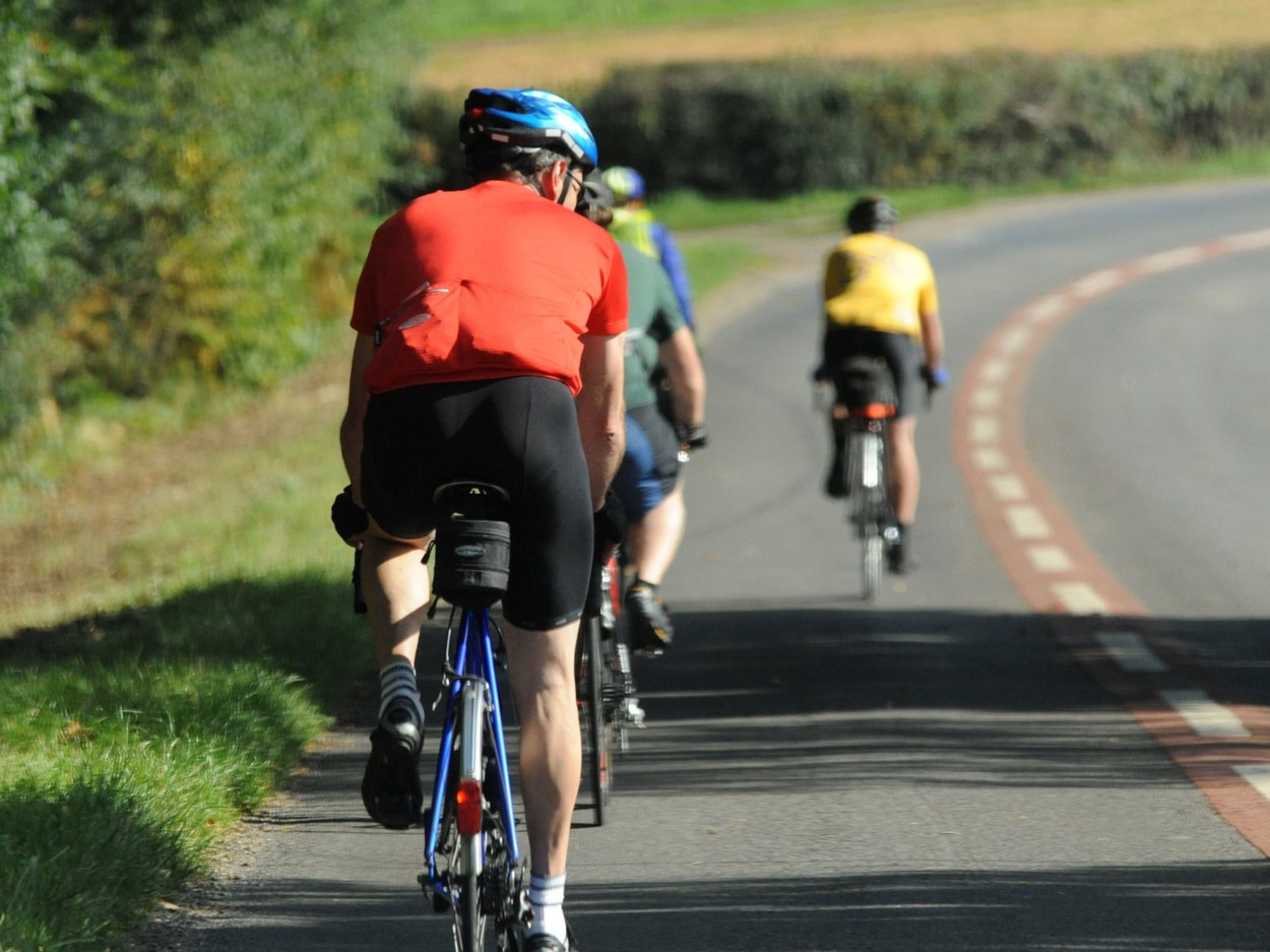 Groups of cyclists