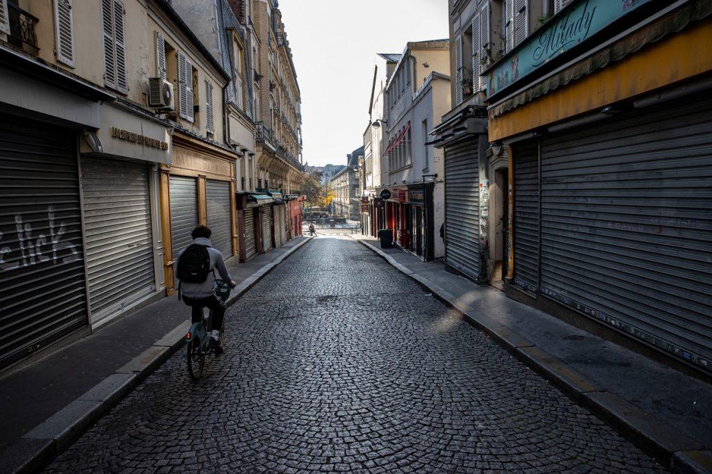 Paris lockdown cycling