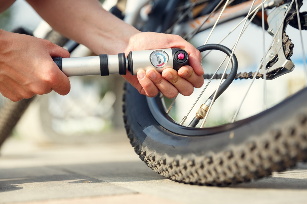 Pumping a tyre