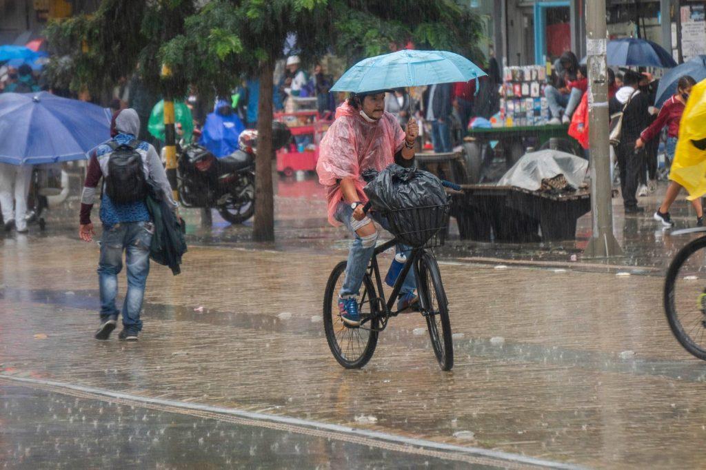 Cycling in rain