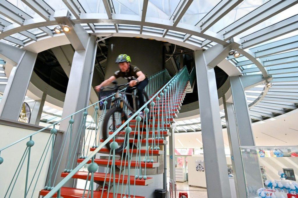 Atomium Bike Stunt