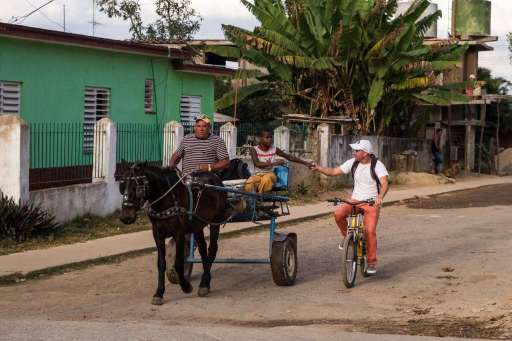 Passing a horse in Cuba
