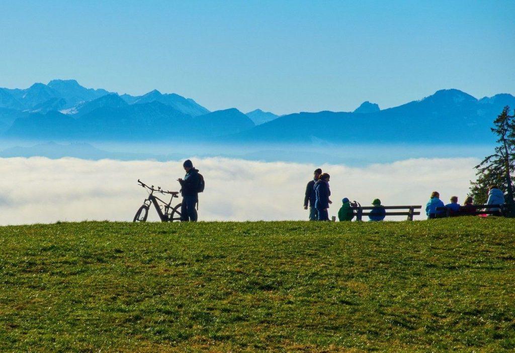 Hiking versus cycling