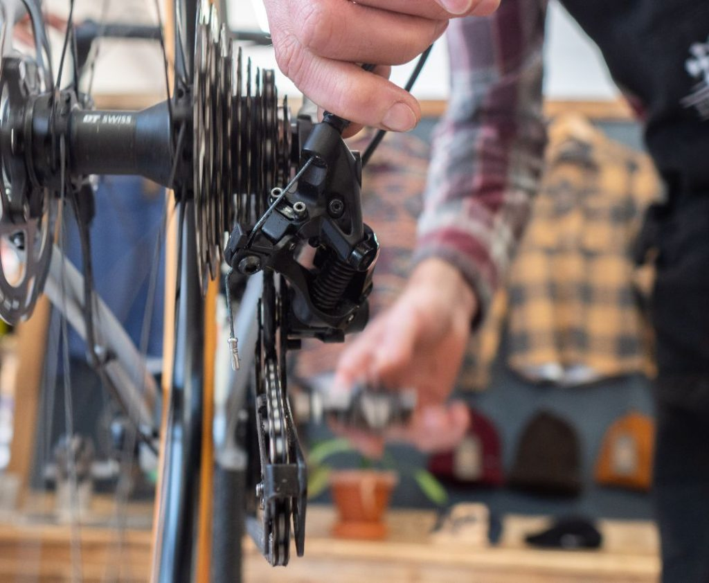 Adjusting bicycle shifters