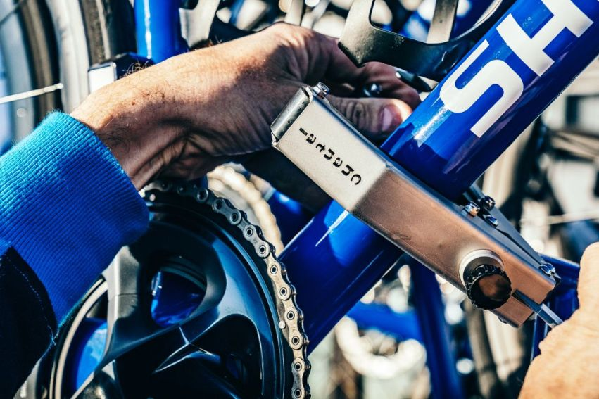 The neutral service team sorts out mechanical issues that could take riders out of the competition.