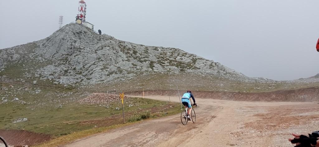 Ahora ya está con asfalto nuevo. Pero el tramo final del Gamoniteiro va al 16%.